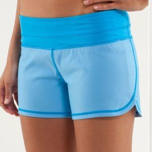 💙Lululemon Groovy Run Short-Beach Blanket …